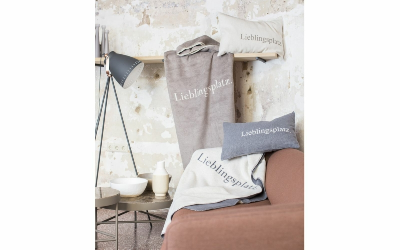 "SAVONA blanket ""Lieblingsplatz"" (favourite place)"