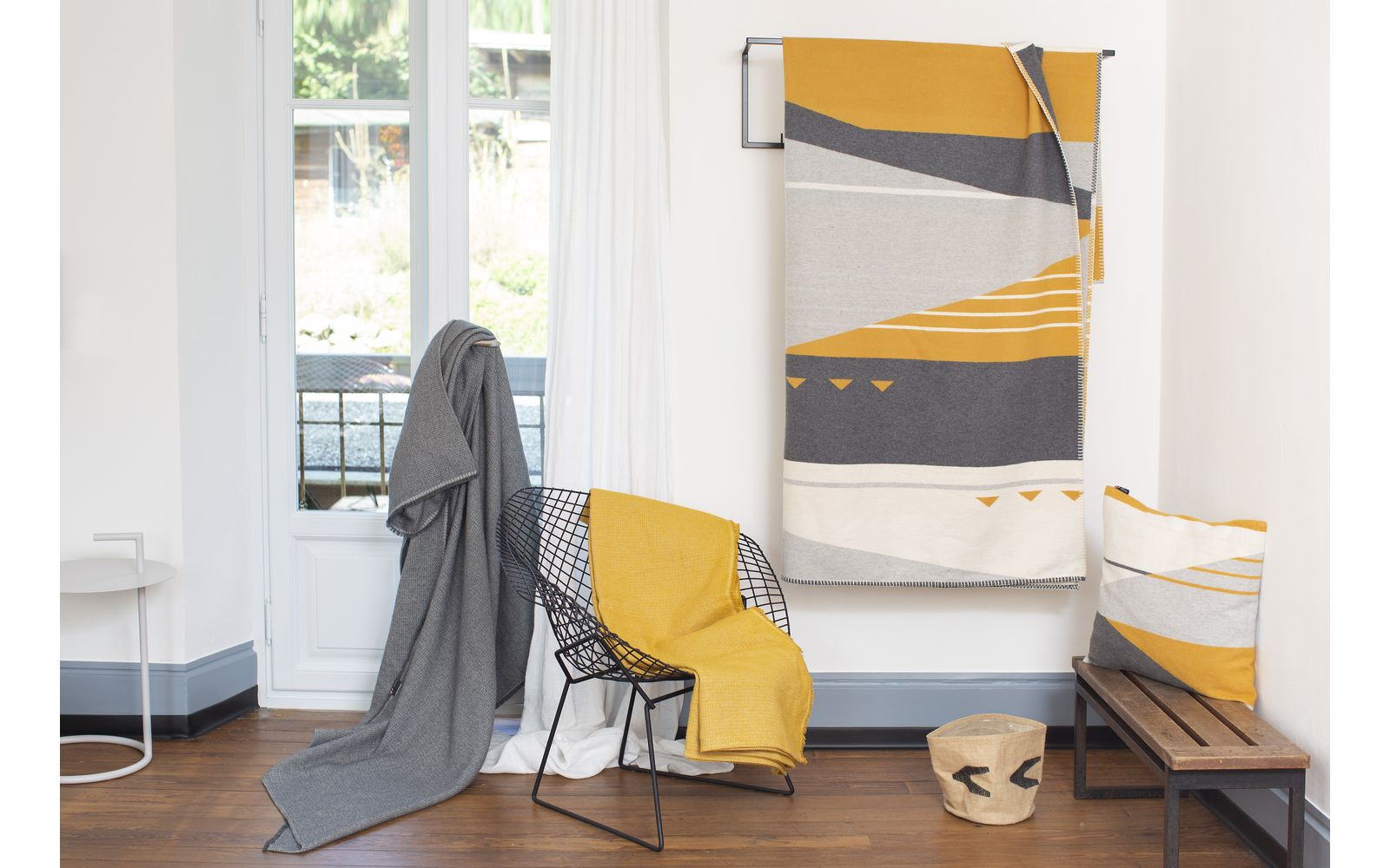 JADE throw 100% organic cotton (GOTS), graphic-lines