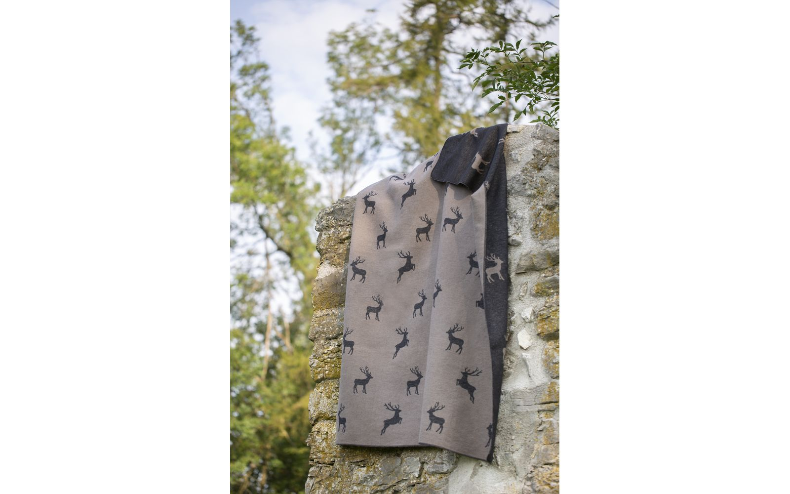 "SILVRETTA cotton throw ""reindeer allover"""