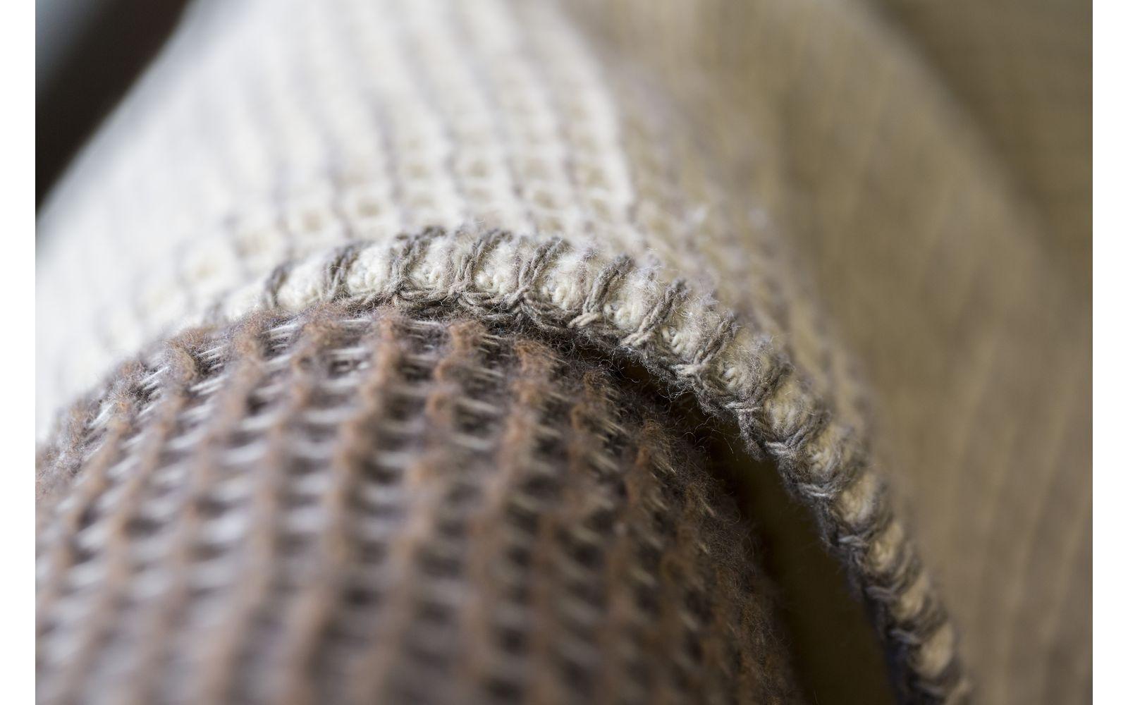 LIDO honeycomb (weave) throw