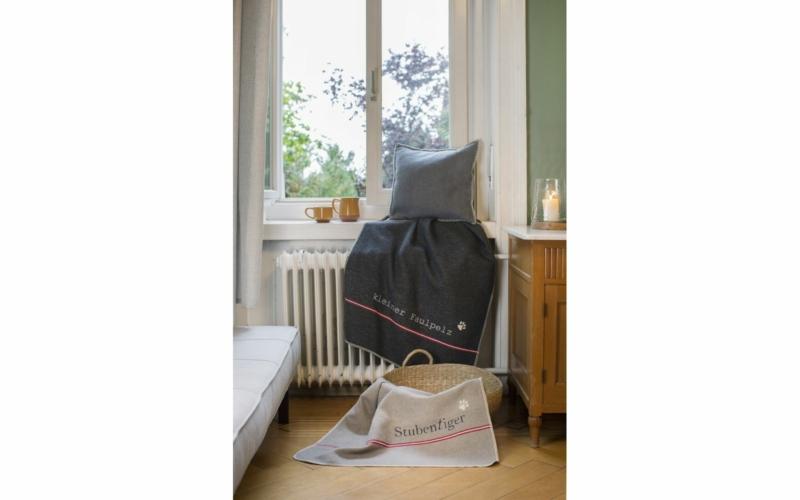 """pet blanket """"Stubentiger"""" (= indoor kitty)"""