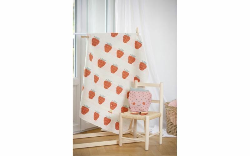 "JUWEL baby blanket ""strawberries allover"", embroidered"